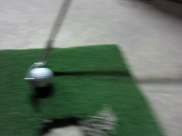 ゴルフボールインパクト